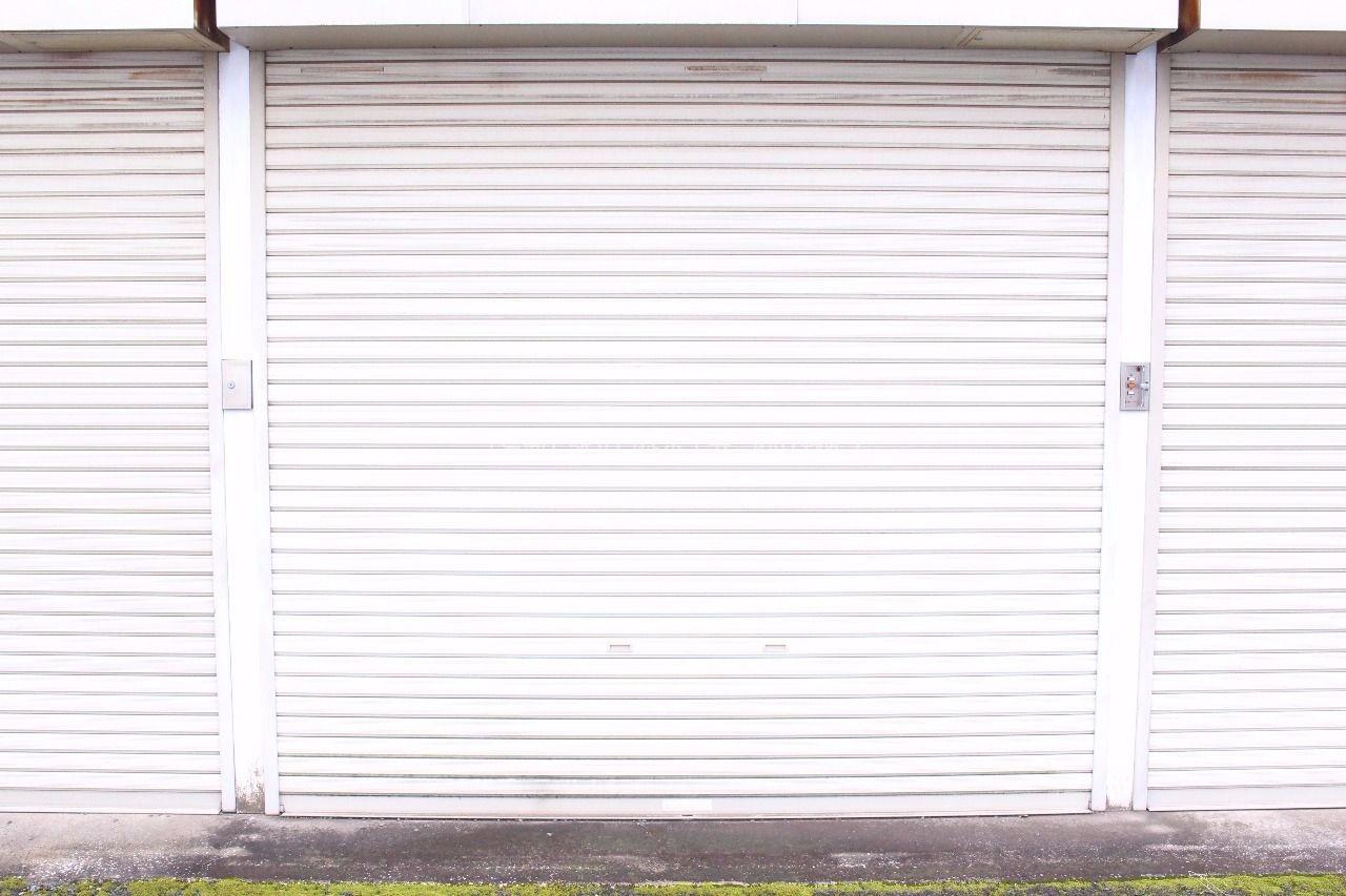 東久留米の賃貸アパート、ハイツ十夢のシャッター付きガレージ